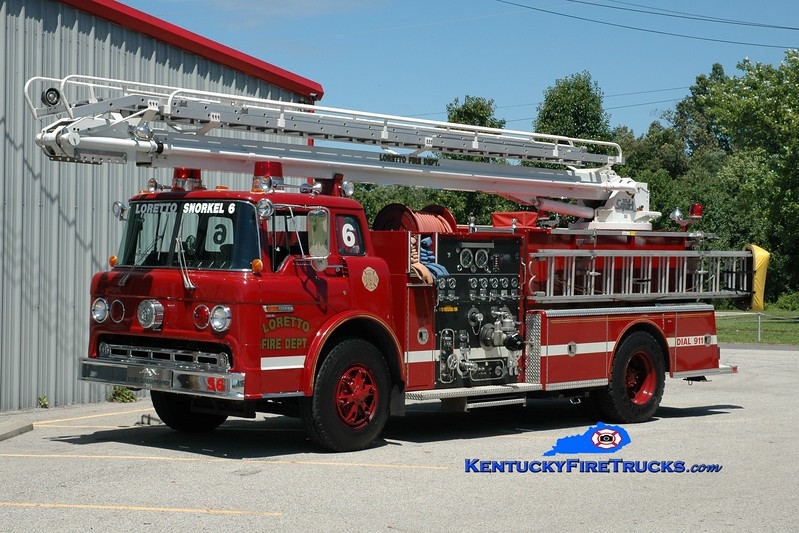 <center> Loretto  Snorkel 6 <br> x-Bardstown, KY <br> 1984 Ford C/American LaFrance 1000/400/50' TeleSqurt <br> Greg Stapleton photo </center>