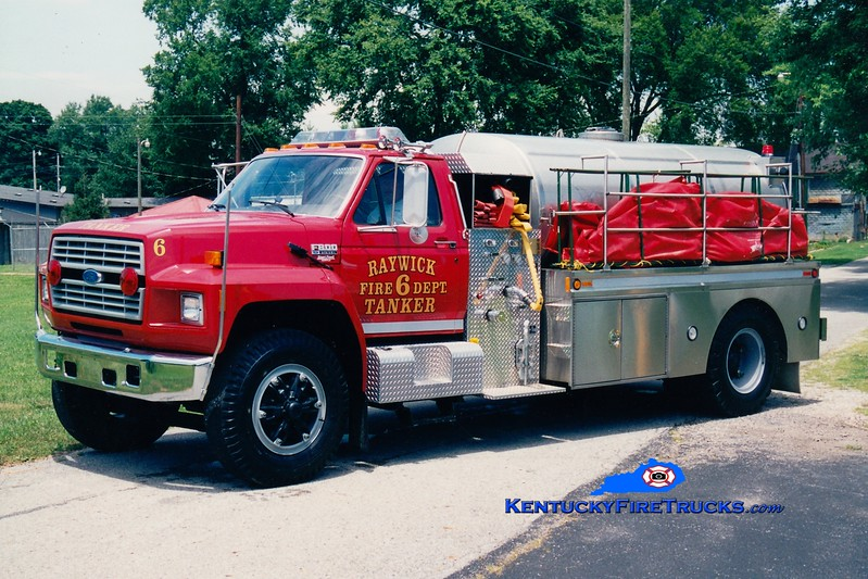 <center> RETIRED <br> Raywick Tanker 6 <br> x-Boyle County, KY <br> 1993 Ford F-800/Bluegrass 450/1800 <br> Greg Stapleton photo </center>