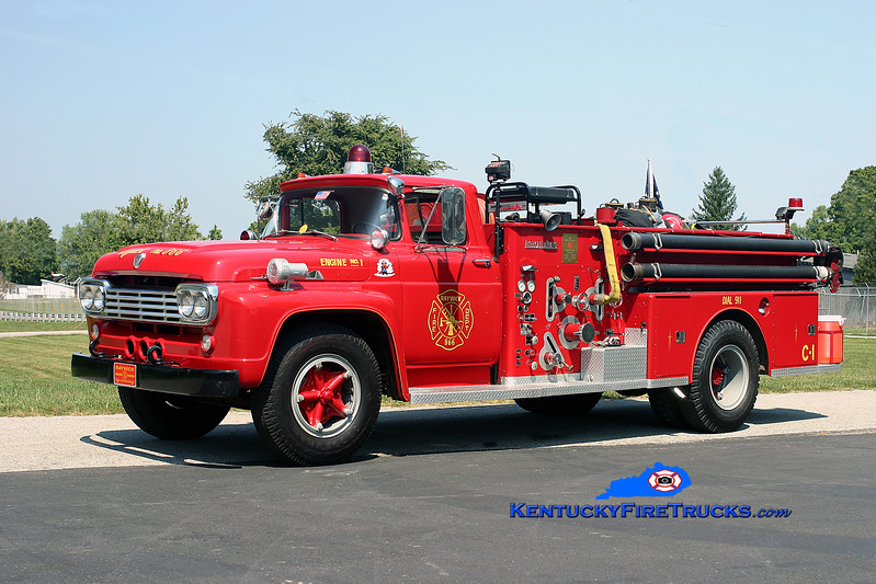 <center> Raywick  Antique <br> 1959 Ford F-800/American LaFrance 500/500 <br> Kent Parrish photo </center>