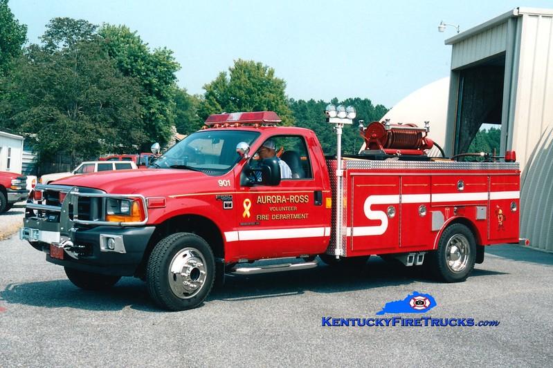 <center> Aurora-Ross Engine 901 <br> 2001 Ford F-550 4x4/Towers 150/350 <br> Greg Stapleton <br> </center>