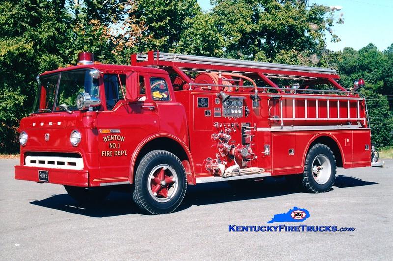 <center> RETIRED <br> Benton  Engine 1 <br> 1970 Ford C/Howe 750/500 <br> Greg Stapleton photo <br> </center>