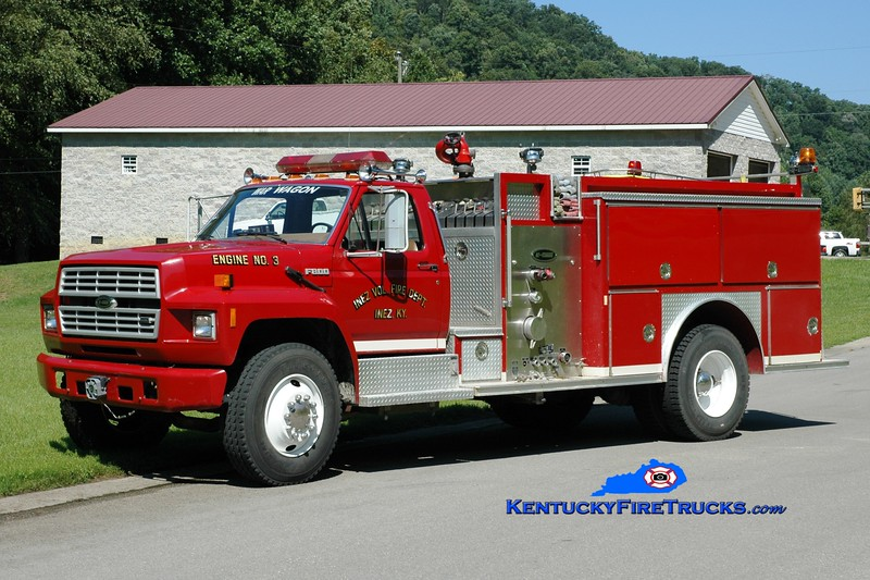 <center> Inez  Engine 23 <br> 1988 Ford F-800/E-One 1000/750 <br> Greg Stapleton photo </center>