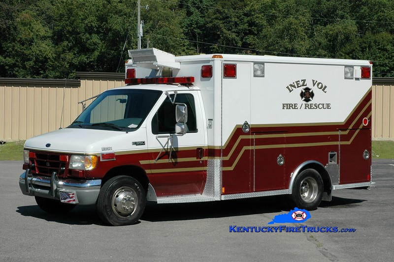 <center> Inez  Rescue 21 <br> x-Netcare EMS <br> 1999 Ford E-350/Wheeled Coach <br> Greg Stapleton photo </center>
