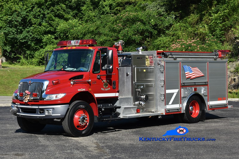 Inez Engine 22 <br /> 2006 International 4400/Crimson 1500/1000 <br /> Greg Stapleton photo