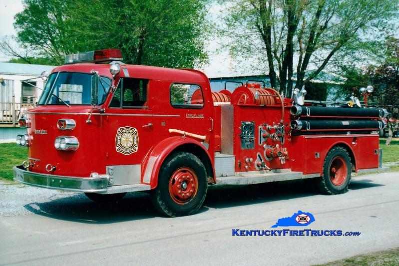 <center> RETIRED <br> Dover  Engine 501  <br> x-Eastern Campbell, KY <br> 1960 American LaFrance 900 Series 1000/300 <br> Greg Stapleton photo </center>
