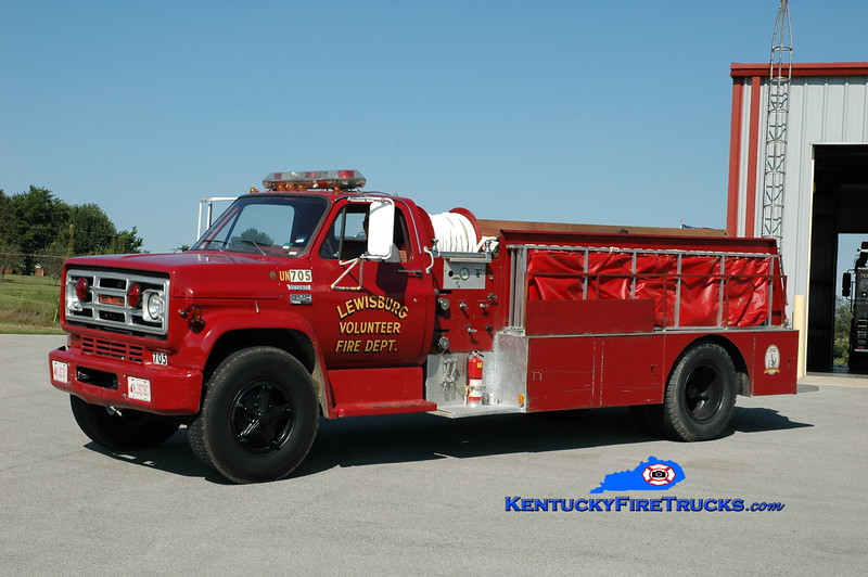 <center> Lewisburg  Tanker 705 <br> 1978 GMC/Local 250/1200 <br> Greg Stapleton photo </center>