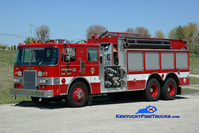 <center> Lewisburg  Engine 705 <br> x-Chardon, OH <br> 1988 Pierce Lance 2000/2500 <br> Greg Stapleton photo </center>
