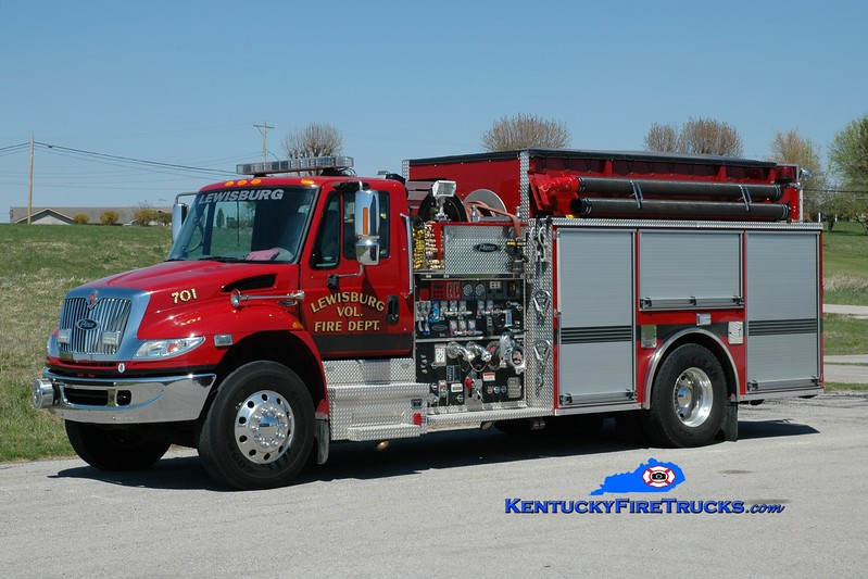 <center> Lewisburg  Engine 701 <br> 2006 International 4400/Pierce 1250/1500 <br> Greg Stapleton photo </center>