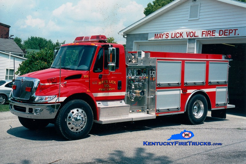 <center> Mays Lick  Engine 902  <br> 2003 International 4400/Bluegrass 1000/1000 <br> Greg Stapleton photo </center>