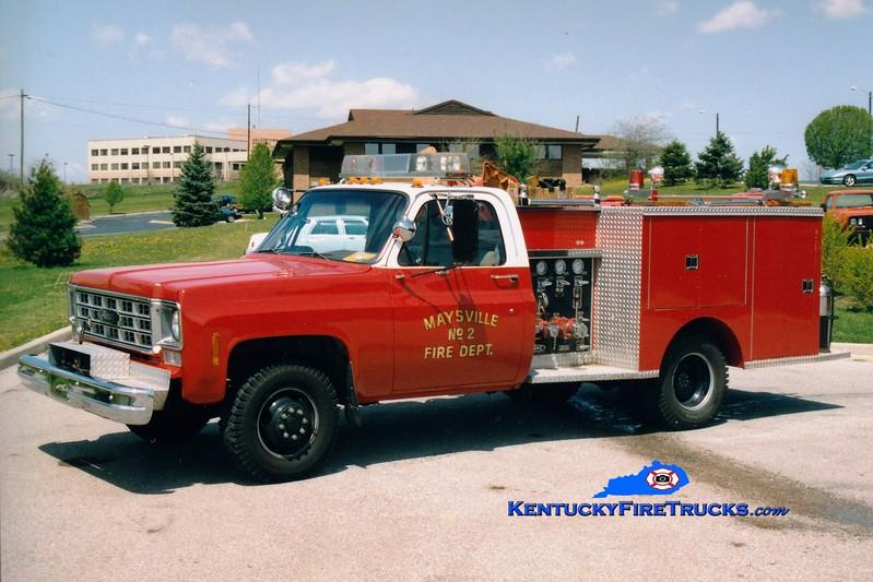 <center> RETIRED <br> Maysville  Engine 2  <br> 1977 Chevy 4x4/Pierce 250/250 <br> Greg Stapleton photo </center>