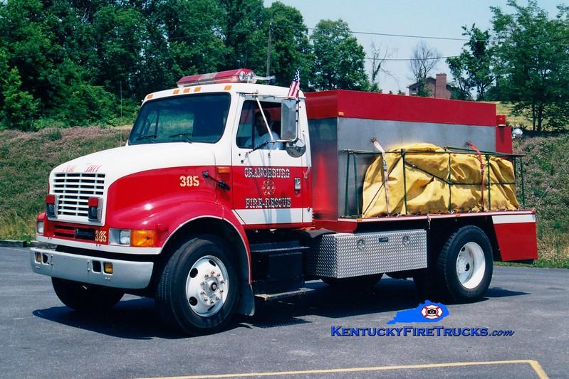 <center> Orangeburg  Tanker 305 <br> 1993 International/Local 250/1600 <br> Greg Stapleton photo </center>