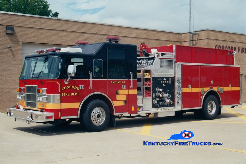 <center> RETIRED <Br> Concord  Engine 44 <br> 1998 Pierce Dash 1500/1000 <br> Greg Stapleton photo </center>