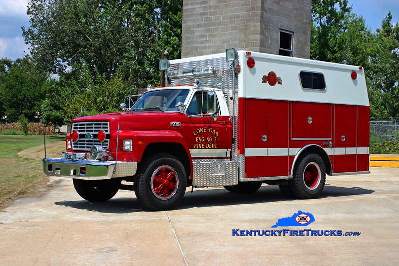<center> Lone Oak  Rescue 3 <br> 1988 Ford F-700/Marion <br> Kent Parrish photo </center>
