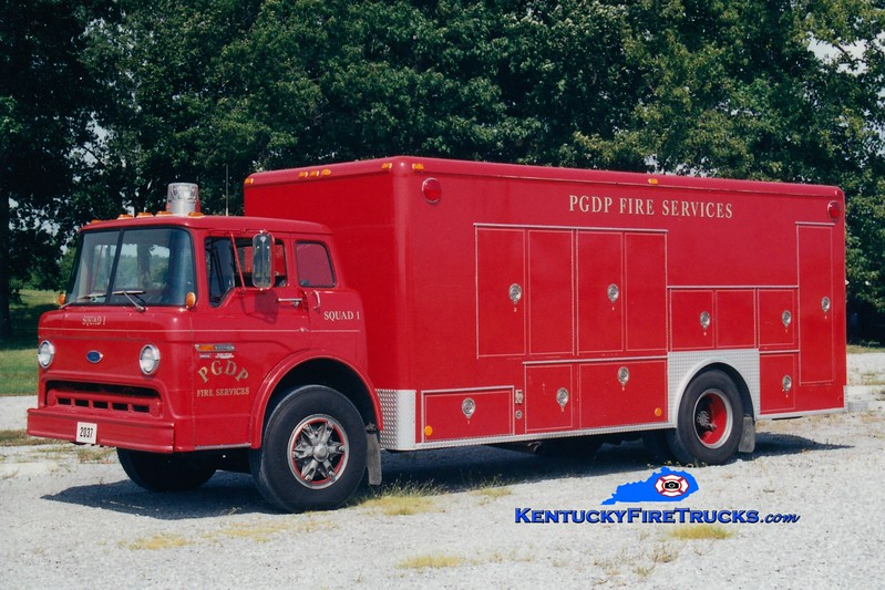 <center> RETIRED <BR> Paducah Gaseous Diffusion Plant  Squad 1 <br> 1984 Ford C-800/1986 Southern Ambulance <br> Greg Stapleton photo </center>