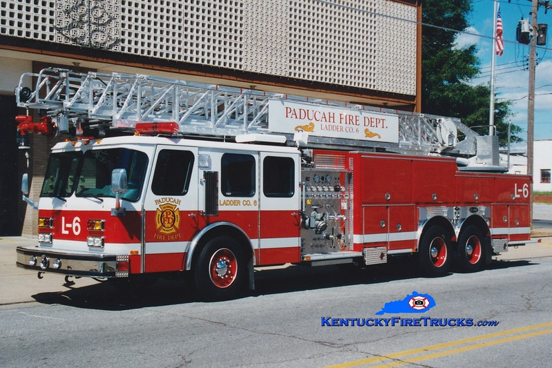 <center> Paducah  Ladder 6 <br> 1996 E-One Hurricane 1250/200/110' <br> Greg Stapleton photo </center>