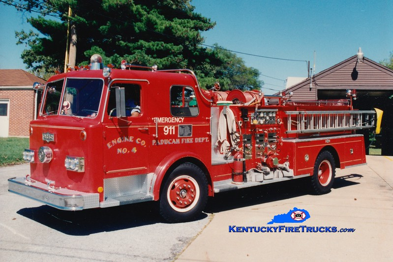 <center> RETIRED <br> Paducah  Engine 4 <br> 1974 Pirsch 1250/500 <br> Greg Stapleton photo </center>