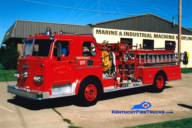 <center> RETIRED <br> Paducah  Engine 1 <br> 1974 Pirsch 1250/500 <br> Greg Stapleton photo </center>