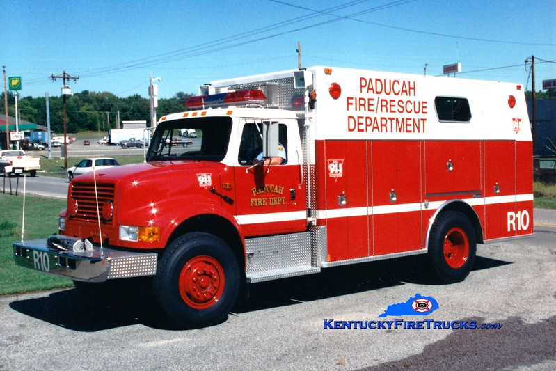 <center> RETIRED <br> Paducah  Rescue 10 <br> 1993 International 4900/Marion  <br> Greg Stapleton photo </center>