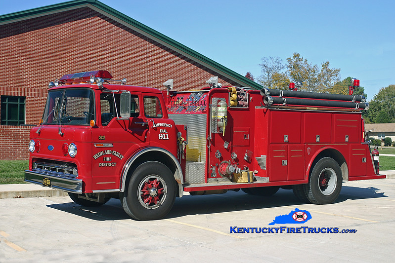 <center> RETIRED <br> Reidland Farley  Engine 32 <br> 1987 Ford C-8000/Towers 1000/1000 <br> Kent Parrish photo </center>