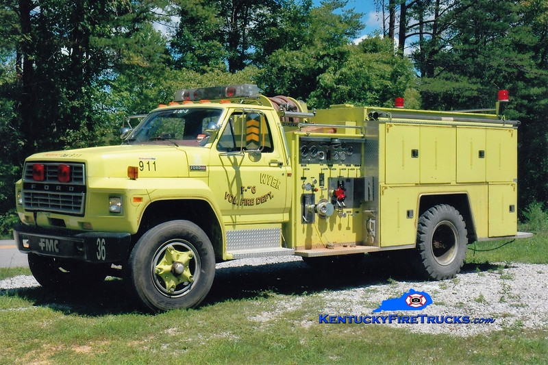 Eagle-Sawyer Engine 36<br /> x-Tateville, KY<br /> 1981 Ford F-800/FMC 750/750<br /> Greg Stapleton photo