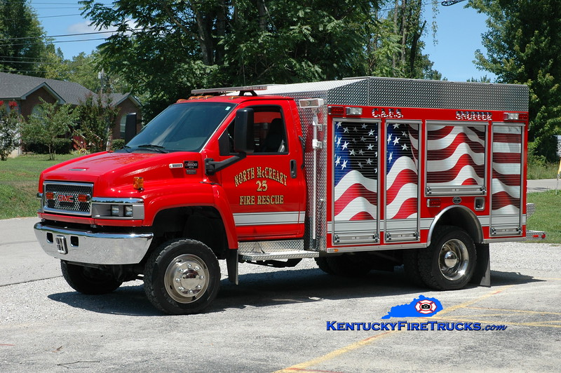 <center> South McCreary  Rescue 25 <br> 2005 GMC C5500 4x4/Wynn 250/300/CAFS  <br> Greg Stapleton photo </center>