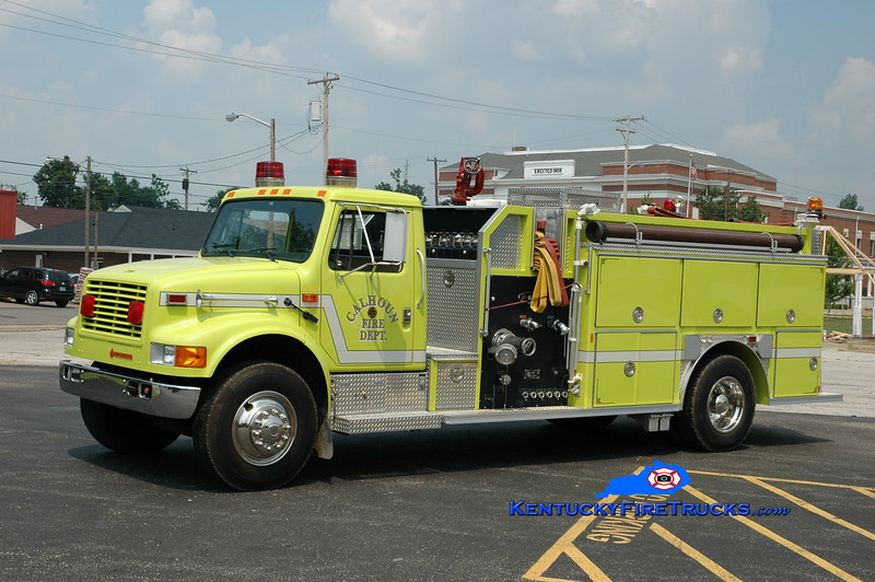<center> Calhoun  Engine 471  <br> 1992 International 4900/E-One 1250/750 <br> Greg Stapleton photo </center>