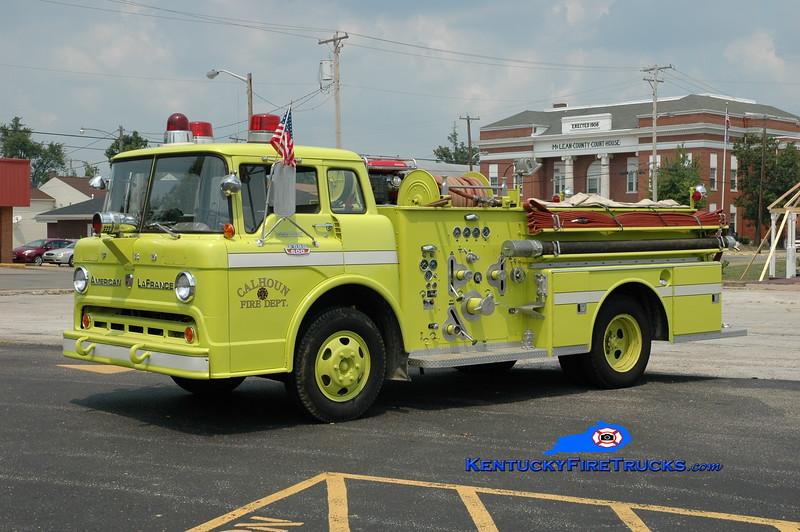 <center> RETIRED <br> Calhoun  Engine 472  <br> 1964 Ford C-600/American LaFrance 750/500 <br> Greg Stapleton photo </center>