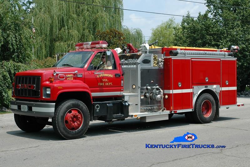 <center> Livermore  Engine 432 <br> 2001 GMC 8500/E-One 1250/1000 <br> Greg Stapleton photo </center>