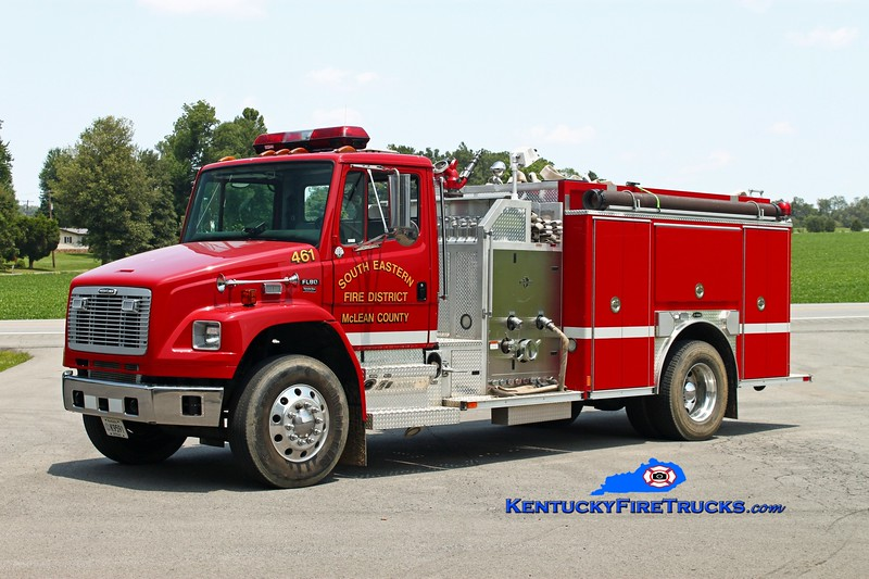 <center> McLean County South Eastern District  Engine 461  <br> 2002 Freightliner FL80/E-One 1250/1000 <br> Kent Parrish photo </center>