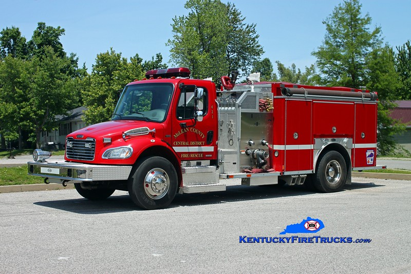 <center> McLean County Central District Engine 421  <br> 2003 Freightliner M2-106/E-One 1250/1000 <br> Kent Parrish photo </center>