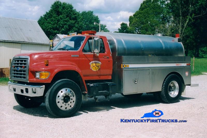 <center> Battletown  Tanker 11 <br> 1995 Ford F-750/Bluegrass 0/1800  <br> Greg Stapleton photo </center>