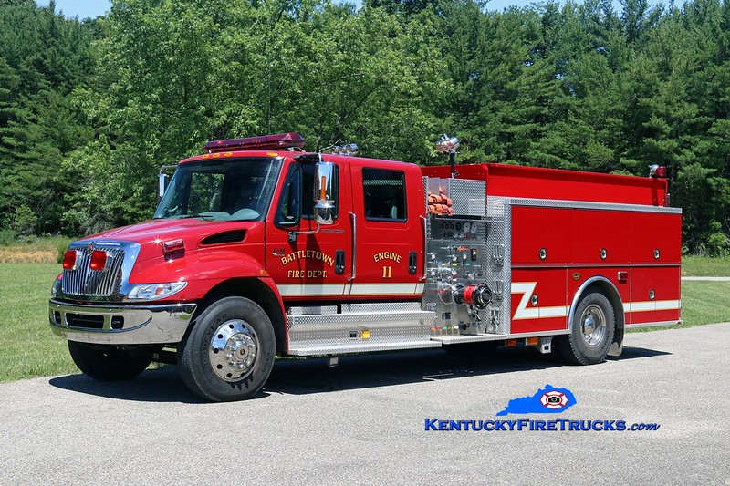 Battletown  Engine 11<br /> 2002 International 4400/KME 1250/1000<br /> Kent Parrish photo