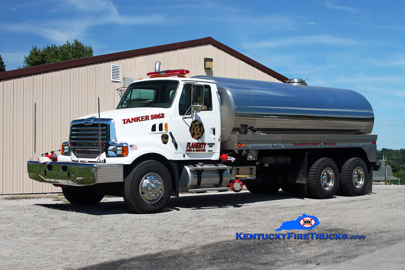 <center> Flaherty  Tanker 5062 <br> 2007 Sterling LT9500/1986 Bluegrass 500/4000 <br> Kent Parrish photo </center>
