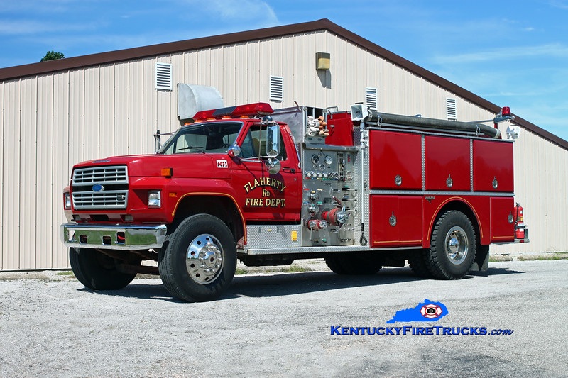 <center> Flaherty  Engine 5033 <br> x-Engine 5031 <br> 1985 Ford F-800/Grumman 750/750 <br> Kent Parrish photo </center>