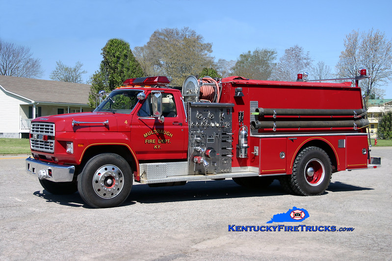 <center> Muldraugh  Engine 9032 <br> 1985 Ford F-750/Grumman 1000/1000 <br> Kent Parrish photo </center>