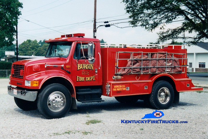 <center> Burgin  Tanker 662  <br> *Later refurbished by Bluegrass <br> 1995 International 4900/Montgomery 250/2000 <br> Kent Parrish photo </center>