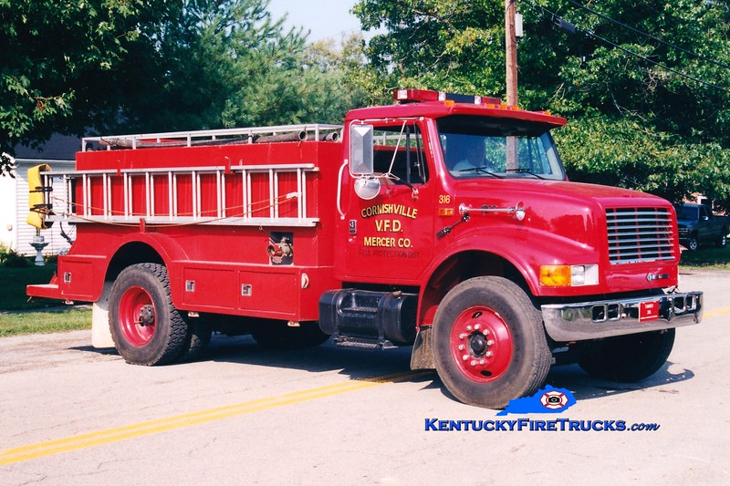 <center> Cornishville  Tanker 3 <br> *Original <br> 1995 International 4900/Montgomery 0/1800 <br> Greg Stapleton photo </center>