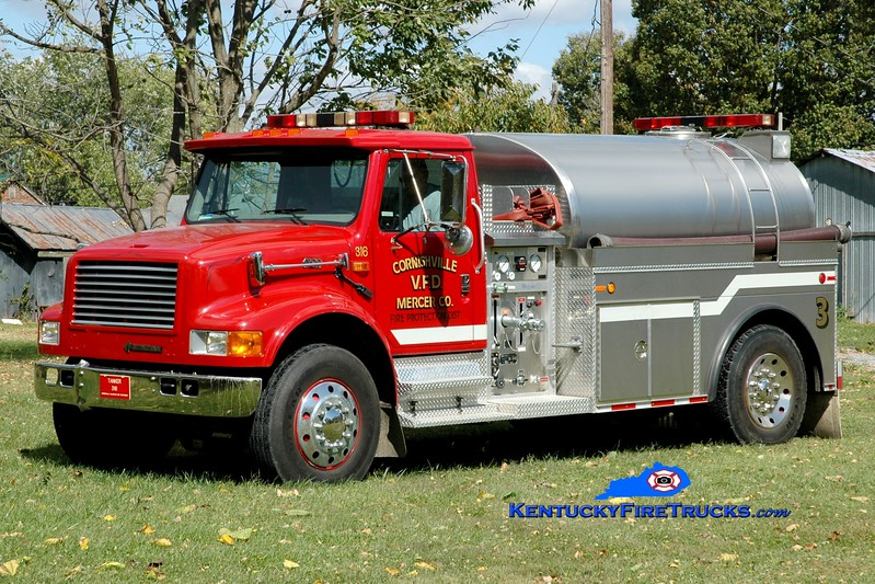 <center> Cornishville  Tanker 3 <br> *Refurbished <br> 1995 International 4900/2003 Bluegrass 500/1800 <br> Greg Stapleton photo </center>