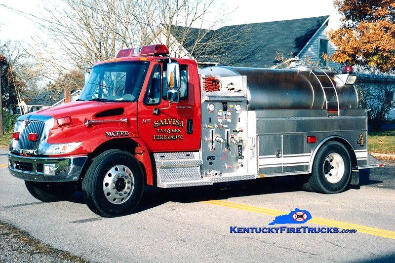 <center> Salvisa  Tanker 4 <br> 2004 International 4400/Bluegrass 250/2000 <br> Greg Stapleton photo </center>