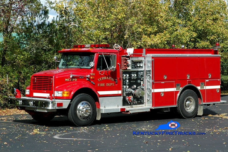<center> Terrapin  Engine 9 <br> 1997 International 4900/Pierce  1250/1000 <br> Greg Stapleton photo </center>
