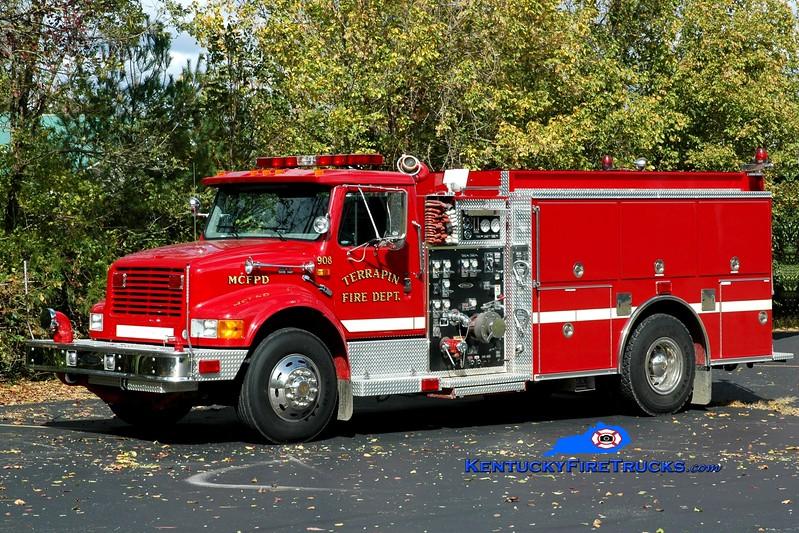 <center> Terrapin  Engine 9 <br> 1997 International 4900/Pierce  1250/1000 <br> Greg Stapleton photo </center>