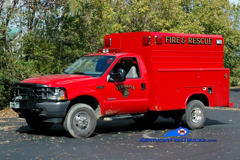 <center> Terrapin  Squad 9 <br> 2004 Ford F-350 4x4/Reading <br> Greg Stapleton photo </center>