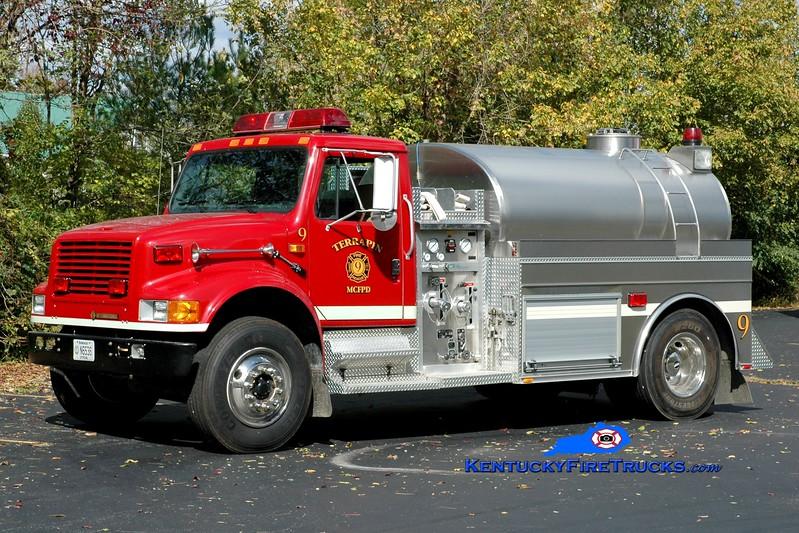 <center> Terrapin  Tanker 9 <br> *Refurbished <br> 1994 International 4900/2005 Bluegrass 500/1800 <br> Greg Stapleton photo </center>