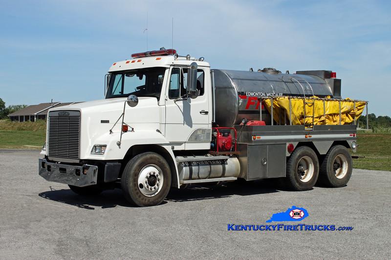 <center> Edmonton-Metcalfe County  Tanker 6 <br> 1991 Freightliner FLD/Local 250/2000 <br> Kent Parrish photo </center>