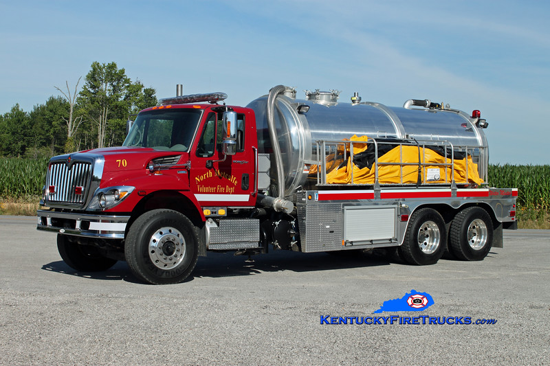 <center> North Metcalfe   Tanker 70 <br> 2009 International 7400/E-One Water Master 0/3500 <br> Kent Parrish photo </center>