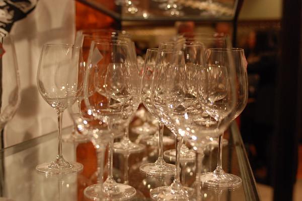 Wine glasses<br /> <br /> P183