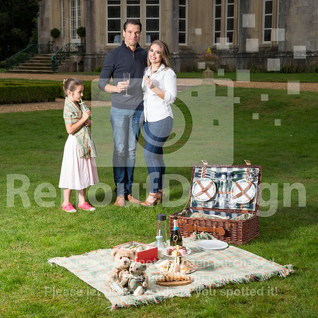 Family Picnic with New Forest Tartan - 75