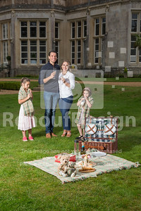 Family Picnic with New Forest Tartan - 76