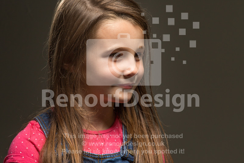08 Interested - Isabelle in Studio