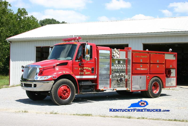 <center> Flippin  Engine 2 <br> 2001 International 4400/E-One/Tompkinsville Industrial Repair 1250/1500<br> Kent Parrish photo </center>